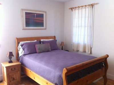 Montauk house rental - Purple Queen Bedroom with Bathroom suite