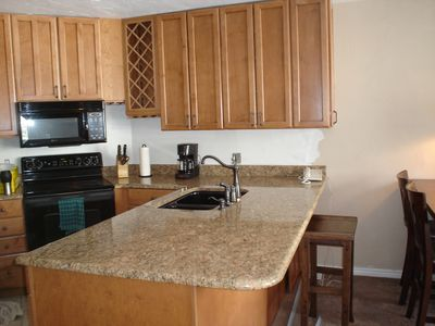 Newly remodeled kitchen with granite countertops!