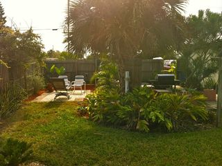 Daytona Beach bungalow photo - Lush foliage.