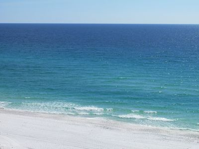 The incredible Emerald Destin Water & White Sand is waiting for you!