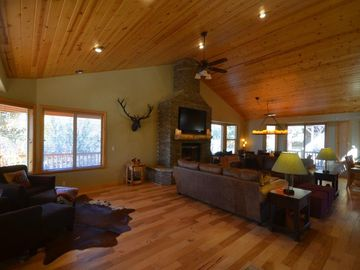 Castle Glen Estates lodge rental - Open Great Room