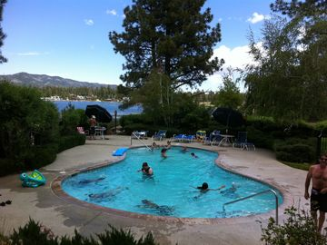 Bayshore Ski & Racquet condo rental - Lakeside pool and hotub area
