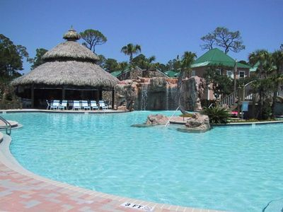Tropical Oasis Pool, Island Hot Tub and Tiki Bar