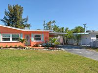 Beach chic home 2br/2ba with yard, 1200 sq. ft.