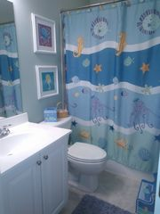 Sunset Island Ocean City townhome photo - Octopuses Garden Bath