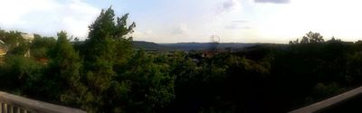 360 degree views from the deck give views of the valley