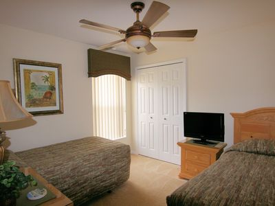 Orange Tree villa rental - Twin Bedroom - HD TV with DVD