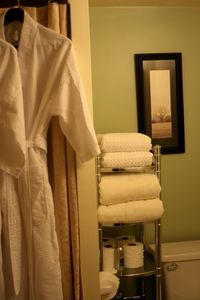 Seattle house rental - Spa robes and egyptian cotton towels