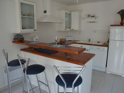 Apartment 100m from the beach with sea view from the balcony at Trez-Hir