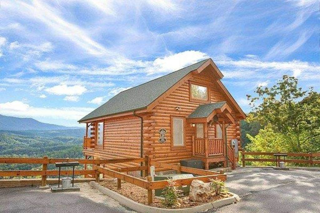 Mountain vistas with wi fi close to dollywood for Gatlinburg dollywood cabins