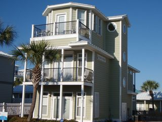 Crystal Beach house photo - One house away from the surf and sand!