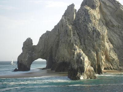 """El Arco"" where the Pacific Ocean meets the Sea of Cortez"