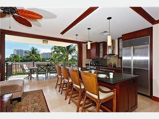 Kapolei villa photo - Kitchen with Breakfast Bar Seating