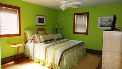 Virginia Beach house rental - Key Largo Bedroom with King Size Bed