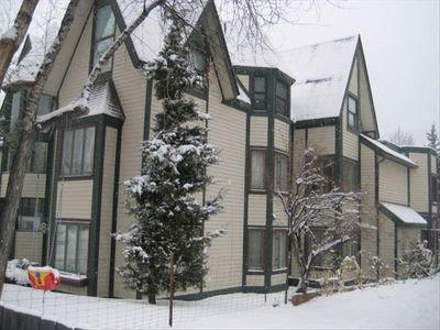 A must see!  Fabulous condo available for Dec, Jan, Feb 2012. Great location