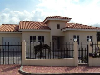 Aruba villa photo - Front
