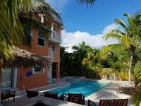 Key Largo - 5 bed 5 bath, Pool, Jacuzzi, Open Ocean, Outdoor Kitchen, Tiki Hut.