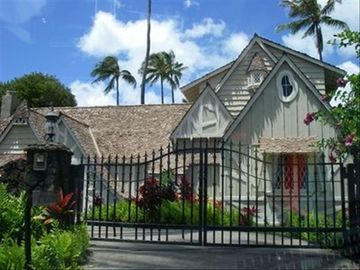 Kahala house rental - The Gingerbread House