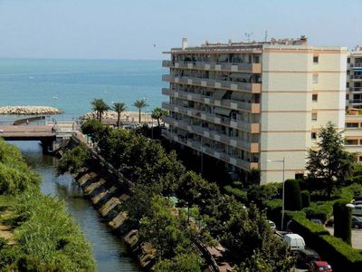 Cagnes-sur-Mer apartment rental - Location of the building