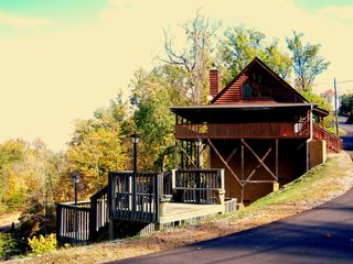 Sevierville cabin photo - Stairs to the Pool
