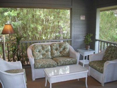 Screened-in Porch with privacy at all angles