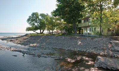 Beach house on lake & 16 mile creek= world class sunsets, fishing,+  watersports