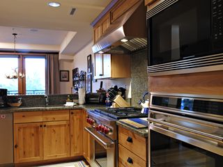 Sun Valley apartment photo - Luxury Kitchen - stocked with everything you would need.