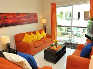 Playa del Carmen condo photo - Comfy living room