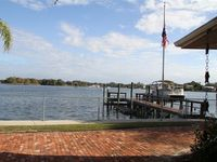Kings Bay Waterfront - Beautiful Home and Location