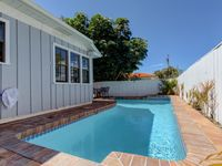 4 Bedroom Beach House with Private Pool Located in Clearwater Beach