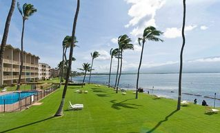 Maalaea condo photo - Magnificent lawn for lounging and playing