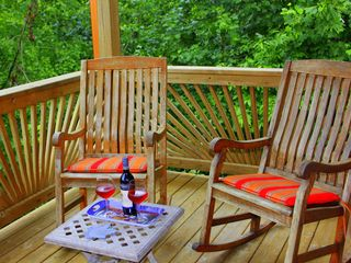 Blue Ridge cabin photo - Rocking chairs on porch