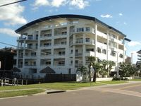 3 Bed / 3 Bath Luxury Waterfront Condo. Sleeps Up To 8.
