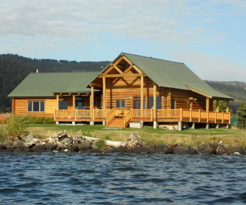 Midwest Luxury Lake Homes: Yellowstone Lakefront Luxury Log Home