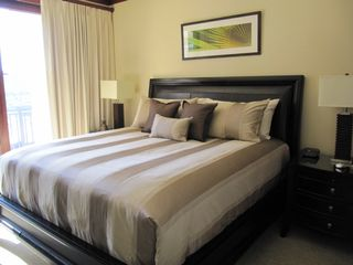 Ko Olina villa photo - MasterBedRoom w/ Hotel Collection,king bed, ocean view & walk out sliding door