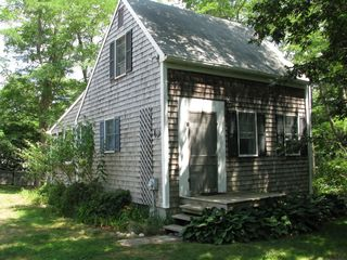 Wellfleet cottage photo - Salt Box Cottage with windowed porch