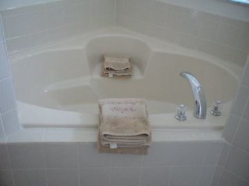 Master bathroom tub!