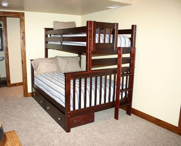 Downstairs bunkbed room