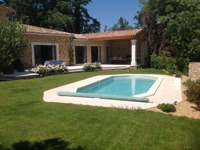 Superb village house with views and pool in Goult