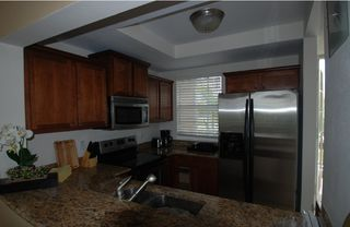 Ruskin townhome photo - Fully equipped kitchen for 7, New Granite, cabinets,appliances