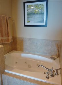 Master Bath Whirl Pool Tub