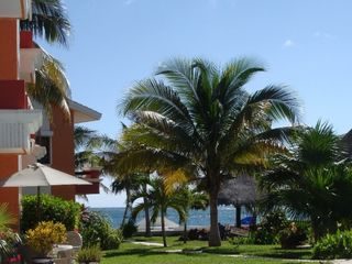 Puerto Morelos condo photo - A walk through the gardens to view our beach.