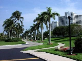 South Seas Club condo photo - Beautifully Landscaped Grounds