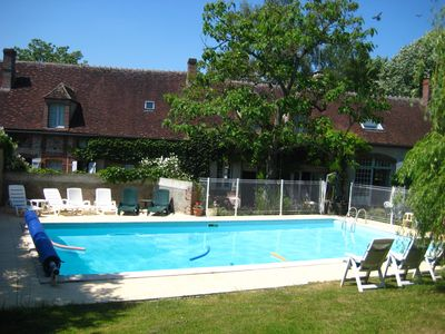 A Beautiful Renovated Farmhouse With Large Heated Pool