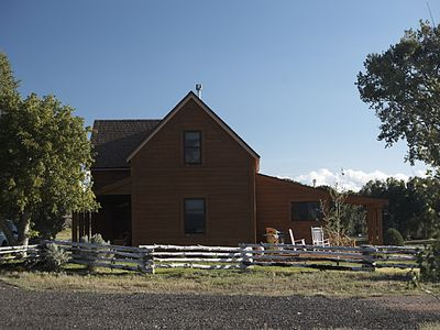 Bryce Canyon farmhouse rental - Side View