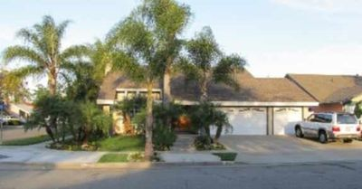 Anaheim house rental - Welcome...You will be greeted by a Palm Trees and flowers.