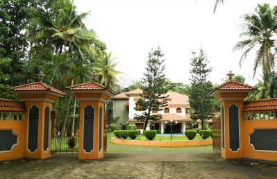 Fully Furnished Luxury Home -Spacious Family Friendly House- AC Bedrooms