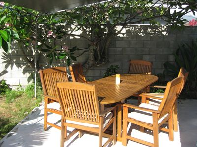Nice front lanai to enjoy and outdoor meal and a friendly conversation!