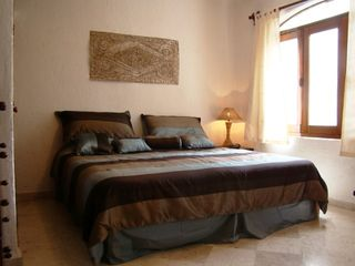 Playa del Carmen condo photo - lovely bright and comfortable bedroom with king bed