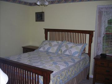 Bedroom 1 - Queen Size Bed